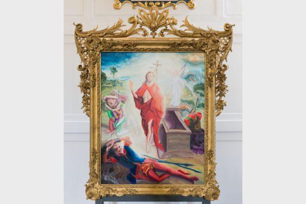 Der Nürnberger Maler Gerhard Mayer schuf 2018 ein neues Altarbild für die evangelische Kirche in Unternzenn mit der Auferstehung Christi.