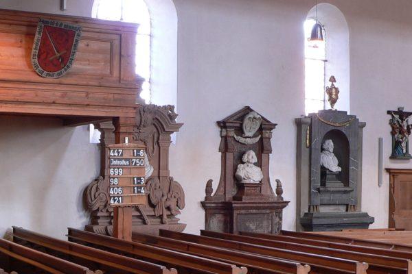 Blick in die Wehrkirche Nürnberg-Kraftshof.