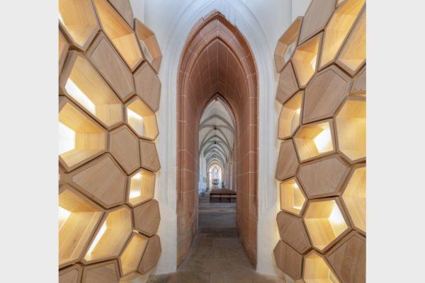 Im Turm der Schwabacher Stadtkirche entstand 2019 ein Kolumbarium für Urnenbestattung.