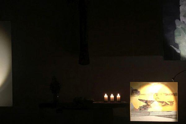 Werke von Christofer Kochs beim Lichtmess-Gottesdienst 2021 in der Heilandskirche Unterhaching.