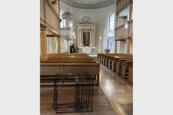 Werke der Künstlerin Sabine Straub beim Lichtmess-Gottesdienst 2021 in der Auferstehungskirche in Fürth.